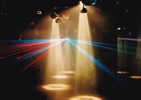 CLEO PALAZZI 2 ダンスホール